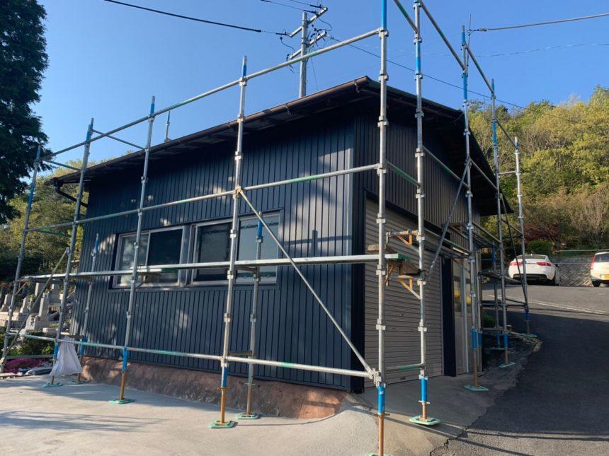 小屋改修工事 ガルバニウム鋼板 車庫