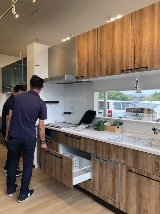 タカラスタンダード 木製キッチン リフィット
