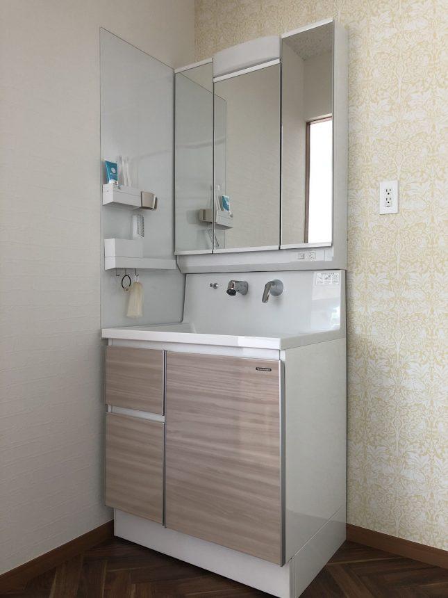 タカラスタンダード ファミーユ(ウォルナットグレージュ) ホーロー洗面化粧台