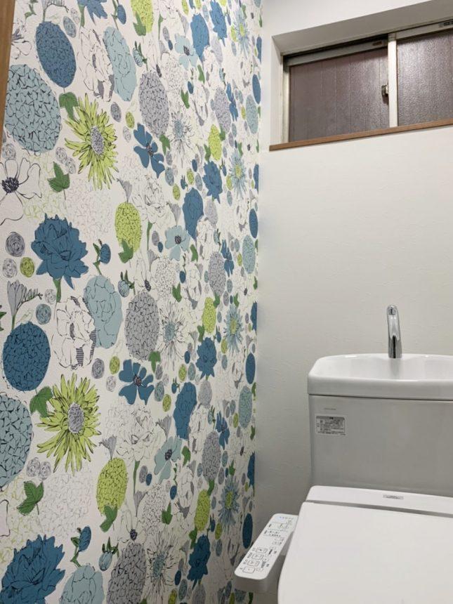 花柄クロス:RE7931 サンゲツ TOTOトイレ